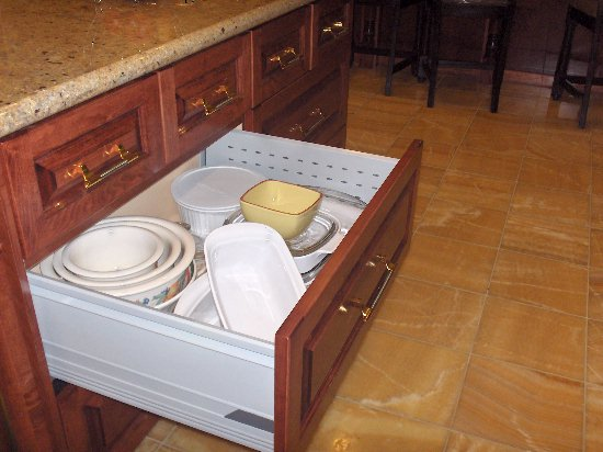 Nefsky's Kitchen - roll out drawer